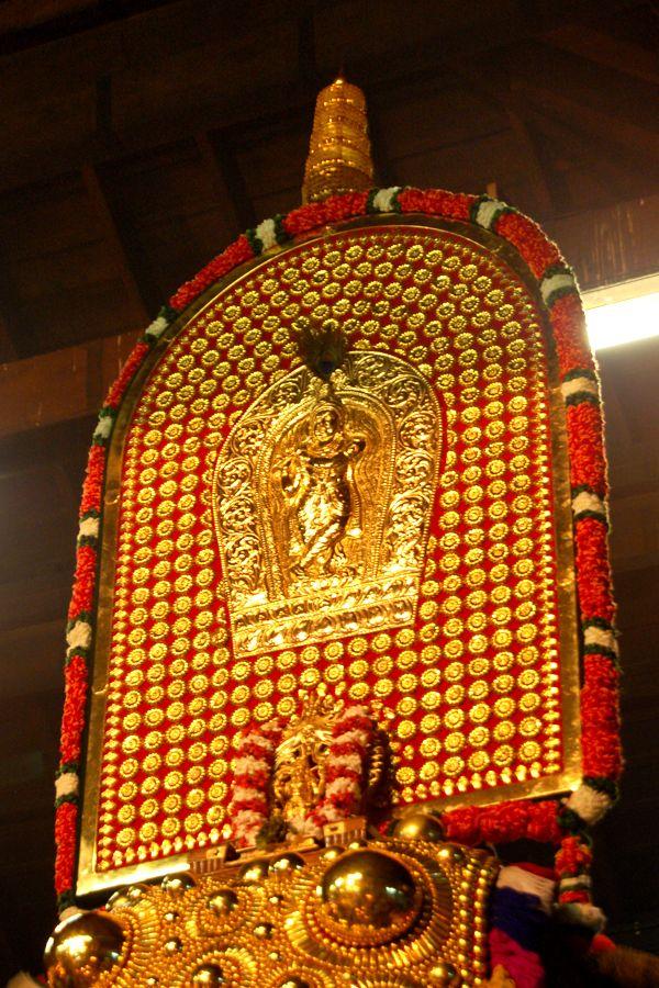 Vishu Hd Wallpapers Guruvayoor Krishna Temple Guruvayur