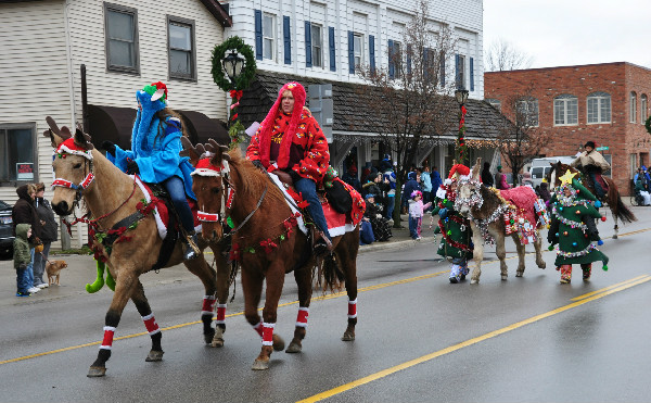 An Old Fashioned Christmas Horse Parade In Lexington