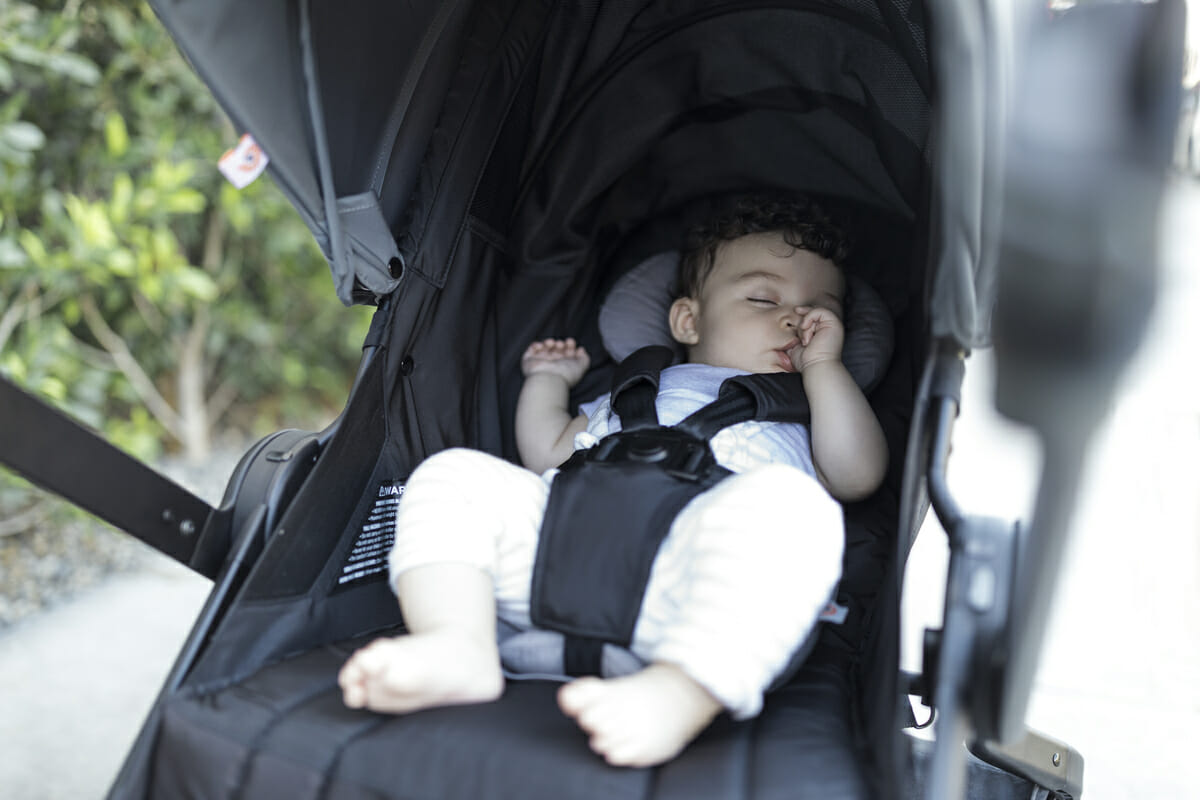 Baby Pushing Pram Youtube How To Keep Baby Safe And Comfy In A Stroller Ergobaby Blog