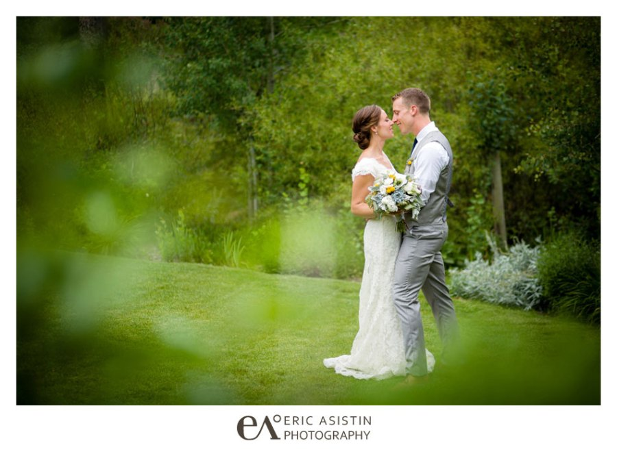 Weddings-on-the-Truckee-River-by-Eric-Asistin-Photography_013