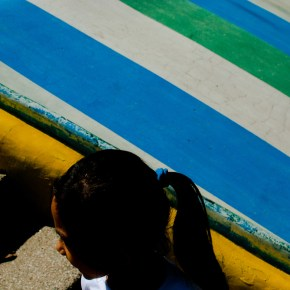 The Vibrant Light and Colors of Manila: Street Photography by Chio Gonzalez