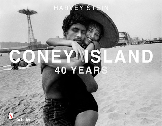 1x1.trans Documenting Coney Island for Over 40 Years: Interview with Harvey Stein