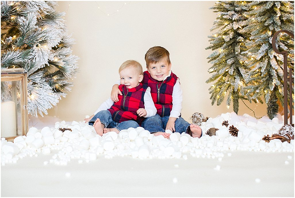christmas-mini-sessions-arkansas-family-photographers-i-kelsey-and-weston_0008