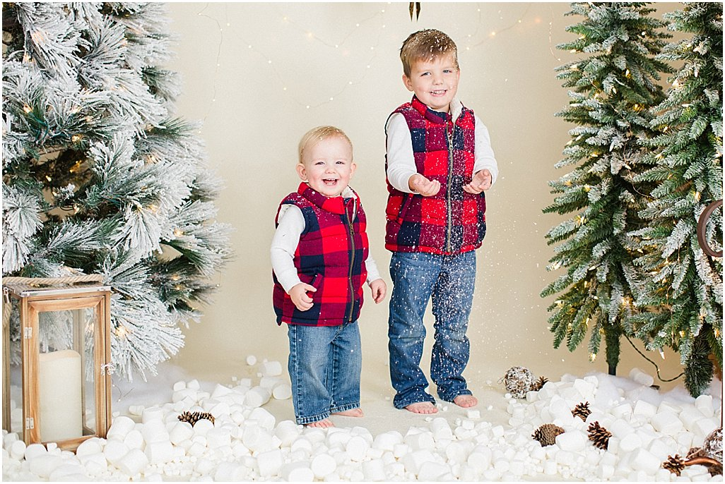 christmas-mini-sessions-arkansas-family-photographers-i-kelsey-and-weston_0011