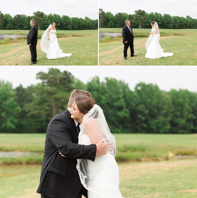 Jaycie and CJ's Wedding at The Barn at Pine Mountain in Quitman Arkansas || by Erika Dotson Photography_0018
