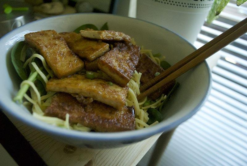 pan-fried tofu noodle bowl