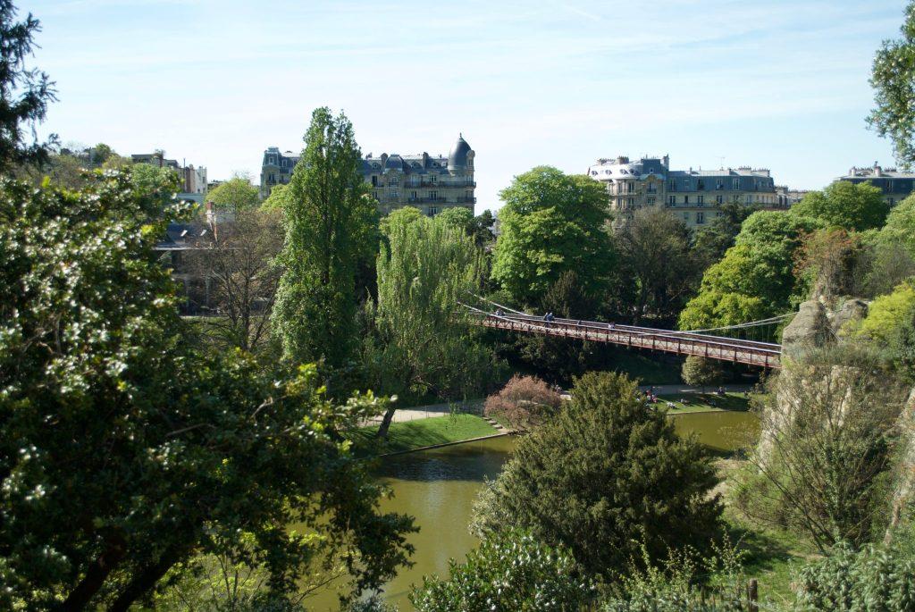 paris with kids - parc des buttes chaumont
