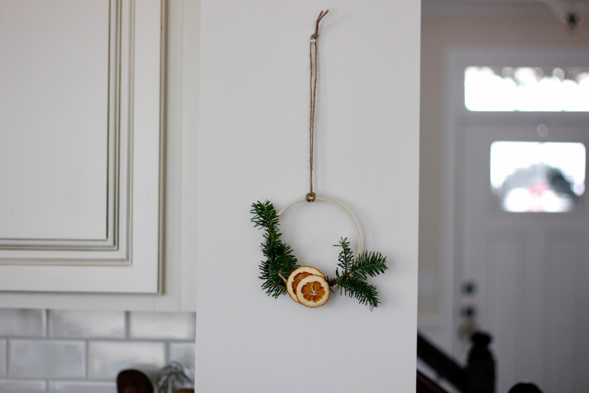 Holiday Decorating with Dried Oranges and Grapefruit