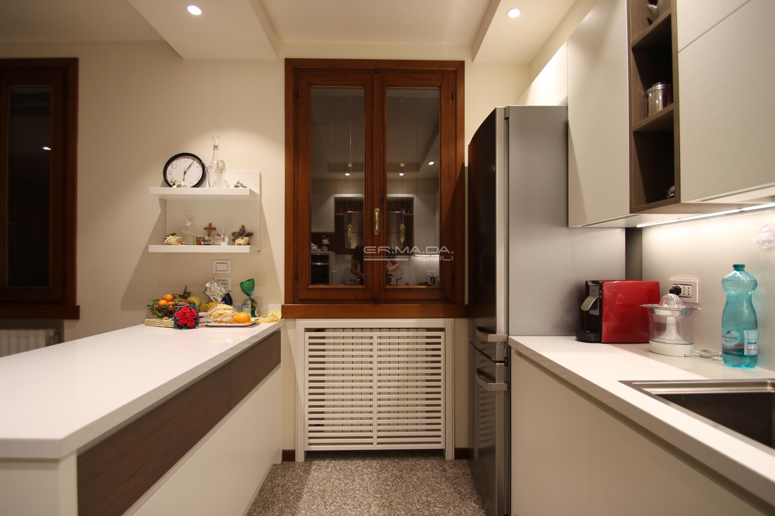Pulizia Mobili Cucina Legno : Pulire cucina legno laccato manutenzione superfici e ante cucinesse