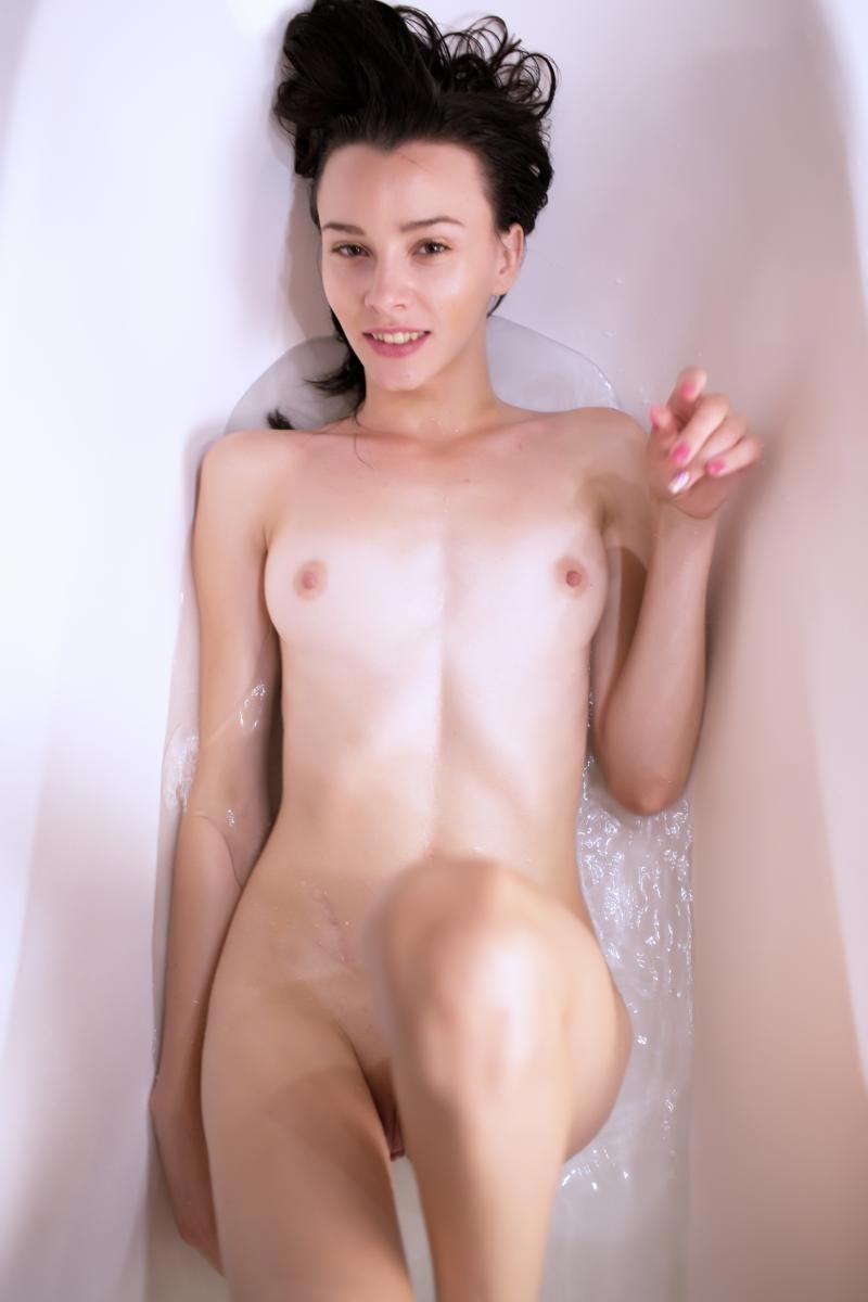 Hot Horny Slim Girl in the Bathtub