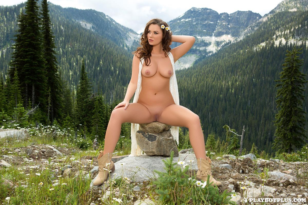 Ashleigh Rae Naked in Nature