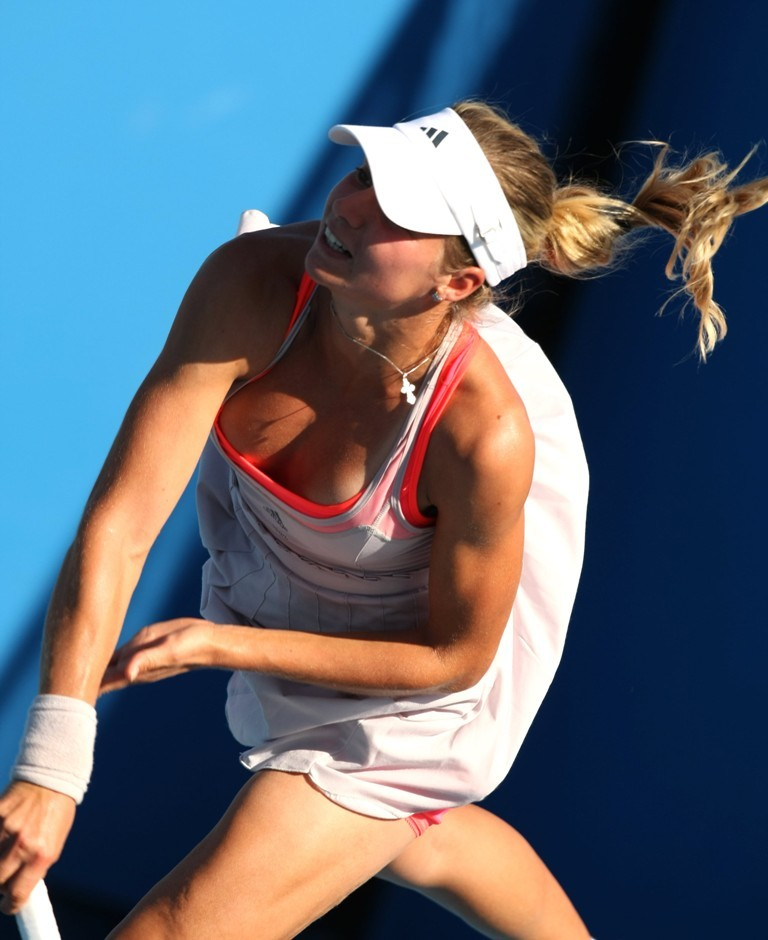(女子テニス)お股・お尻・胸チラ谷間…女子テニス中継見てたら右手が止まりませんwwwwwwwwwwwwww(ヌける写真あり)