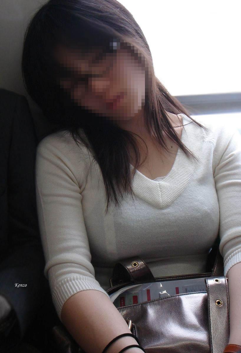 着衣美巨乳のシロウト小娘が攻撃力MAXでボッキ不可避wwwwwwwwwwww(秘密撮影写真あり)