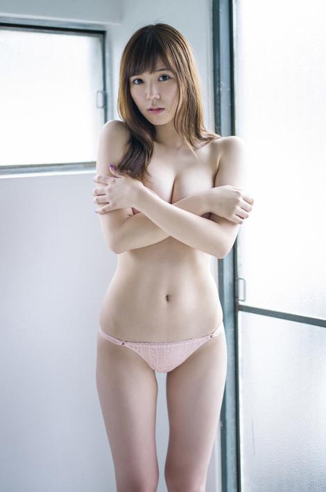 【エロ画像】元SKEカネ子栞がFカップ手ブラに極小ミズ着で即ハボ体を披露wwwwwwwwwwwwwwwwwwwww(グラビア画像あり)