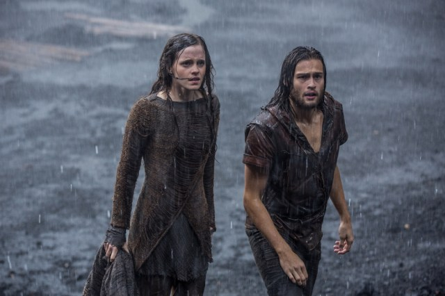 Emma-Watson-and-Douglas-Booth-in-Noah-2014-Movie-Image