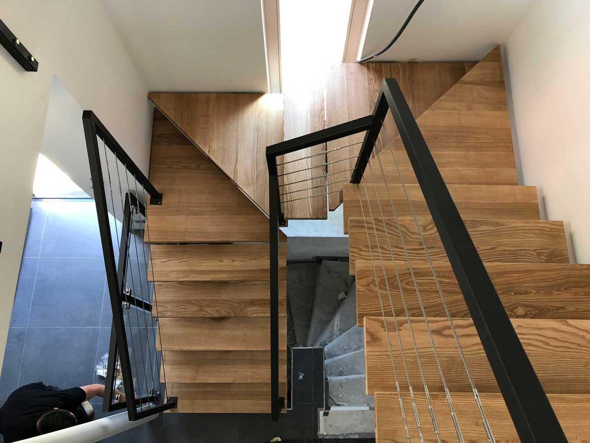 Escalier Acier Noir Et Bois | Escalier Gamme Métal Limon Central