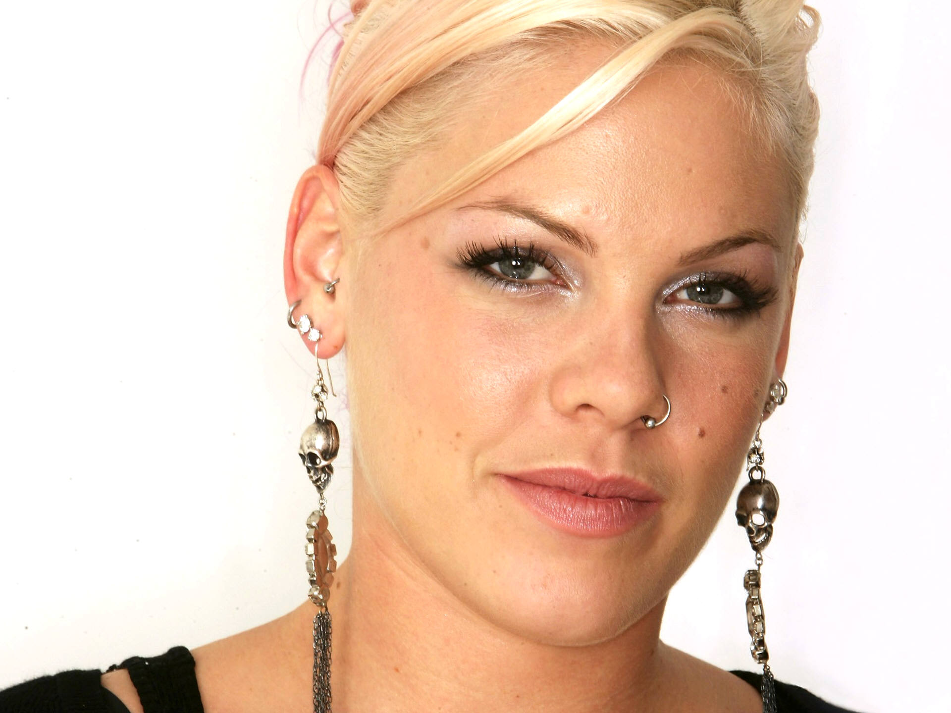 Fire And Water Hd Wallpapers Alecia Beth Moore Wallpaper 1920x1440 76407