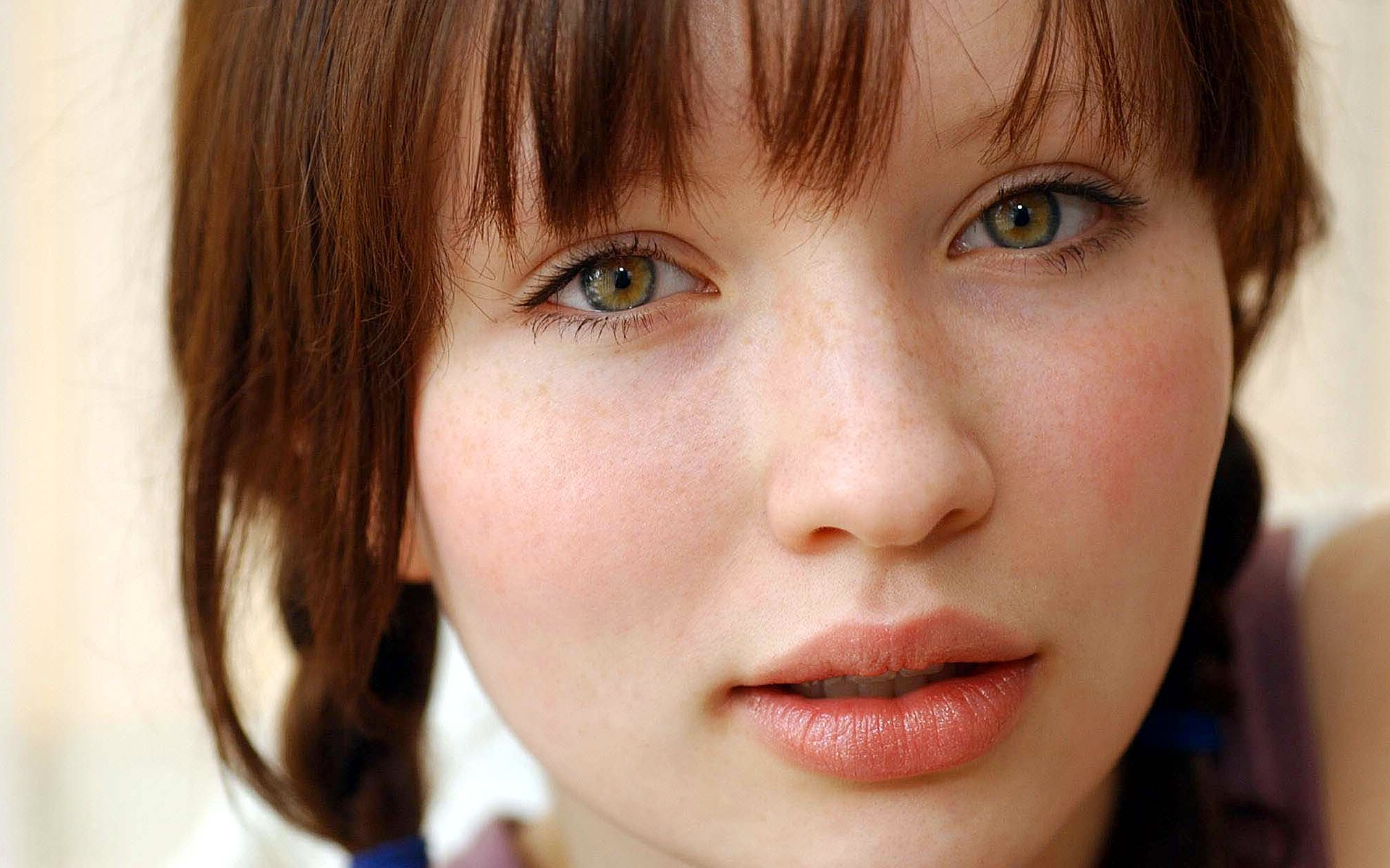 Ghost 3d Wallpaper Download Emily Browning Wallpaper 1920x1200 49407