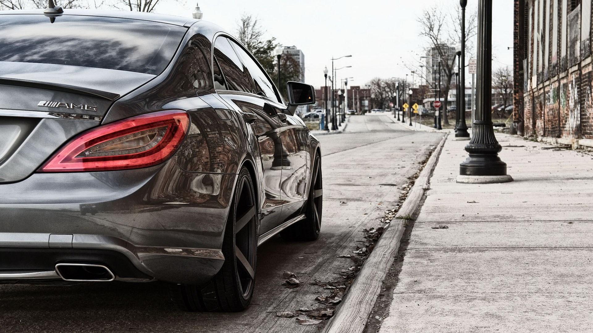 Ferrari 458 Italia Wallpaper Hd Mercedes Mlg Near Sidewalk Wallpaper 1920x1080 17401