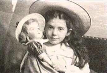 Eva Hart doll