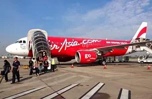 """Como é voar AirAsia, a companhia que """"vende"""" passagens até de graça"""