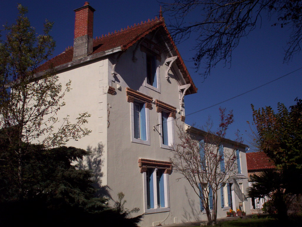 Chambres Dhotes.org Welcome To La Charouffie Holiday Homes Riberac Dordogne France