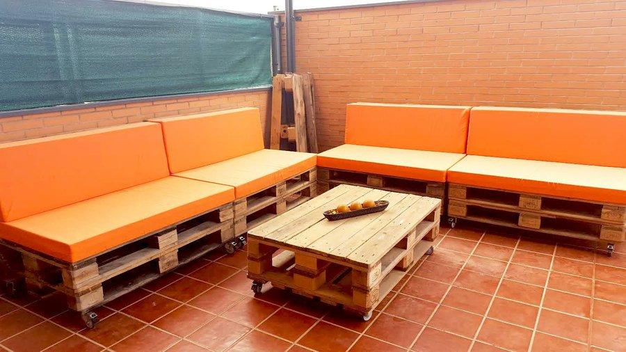 Convierte tu terraza en un rincón chill out gracias a los palets - Terrazas Con Palets