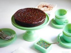 Splendid Martha By Mail Jadeite Cake Stands Or A Guide To Jadeite Fire King Bowls Value Fire King Dishes Mor Pearl