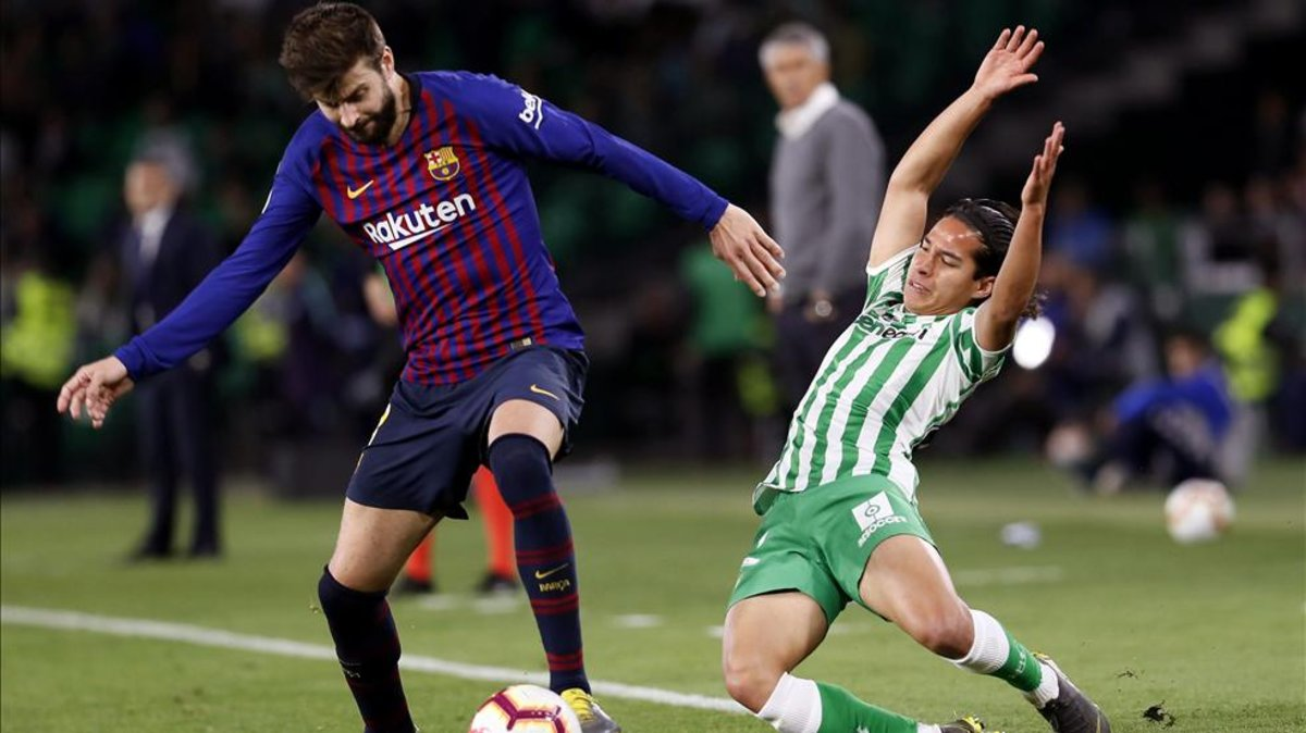 Leo Messi Barça Defender Gerard Pique Says Theres No One Like Leo Messi
