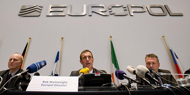 Rob Wainwright, jefe de la Europol, durante la rueda de prensa. | AFP