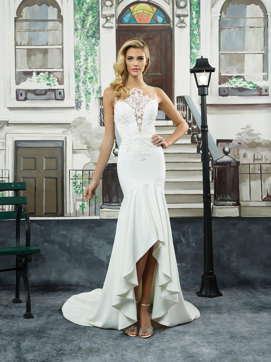 Crepe Party Lagrange Justin Alexander Bridal 8940 An Affair To Remember Lagrange Ga