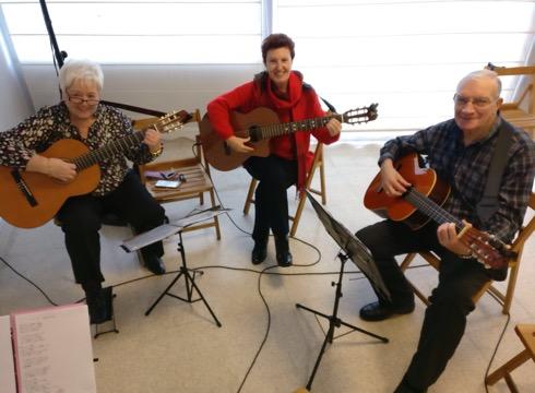 Gitarra  emanaldia  eskainiko  dute  Untzagako  jubilatuek  Goi-Argi  elkartean,  Errege  eguna  ospatzeko