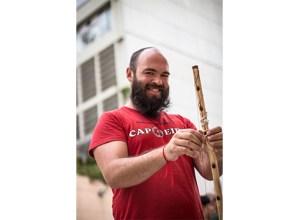 """JON  MONTIEL,  capoeirista:  """"Capoeira  nire  bizitzaren  parte  handia  bihurtu  da"""""""