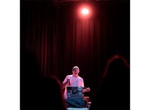 "David Karba –Kvalvika-, musikaria: ""Sare sozialetako gorroto gaindosiak inspiratu nau"""