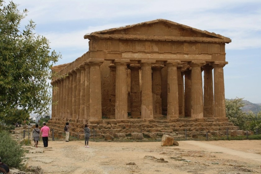 The temple of Concordia, Agrigento, Sicily. The temple, in Doric style, was constructed between 440 and 430 BCE and had 6 columns on the facade and 13 along the sides. It is one of the best preserved Greek style temples in the Mediterranean. Photo © Mark Cartwright.