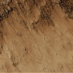 E a pedra rolou ladeira abaixo… em Marte!