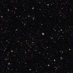 ESO libera imagem de campo profundo que mostra o aglomerado Abell 315 e um mar de galáxias
