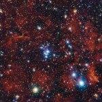 NGC 2367: um pequeno aglomerado aberto e jovem inserido no seio de uma estrutura antiga na periferia galáctica