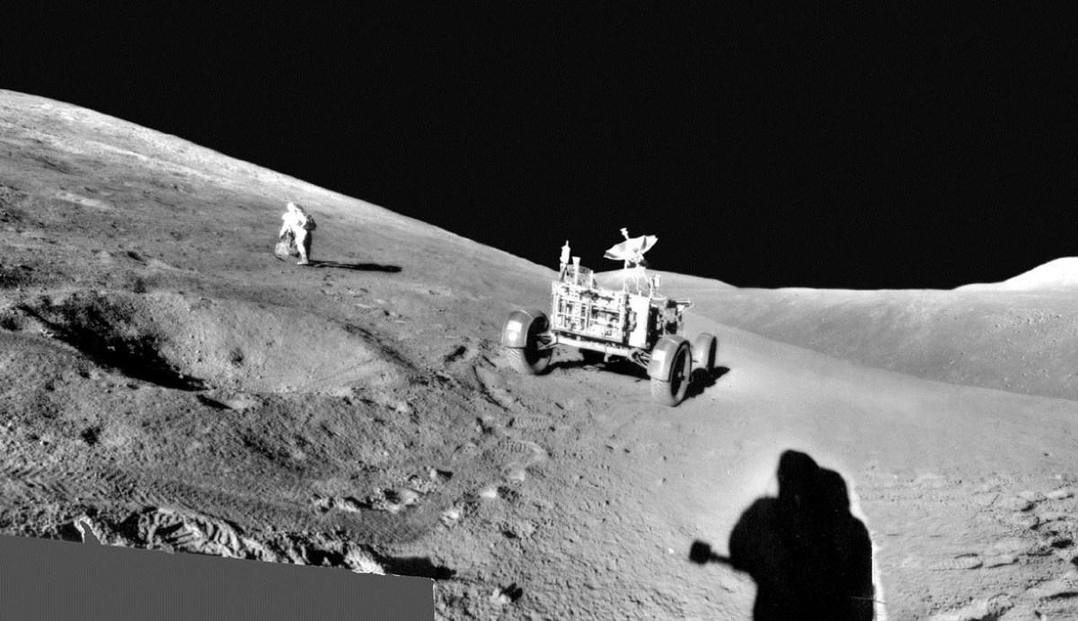 31 de julho de 1971 - Panorama Lunar pela Apollo 15 em Hadley-Apennine