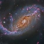 NGC 1672: uma proeminente galáxia espiral barrada capturada pelo Hubble e processada por Steve Cooper