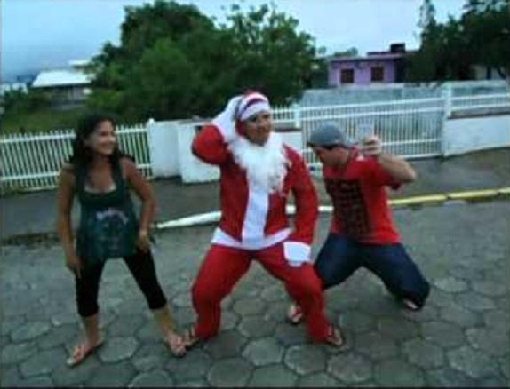 Sua família...curtindo o Natal após seguir as dicas do Etílicos.