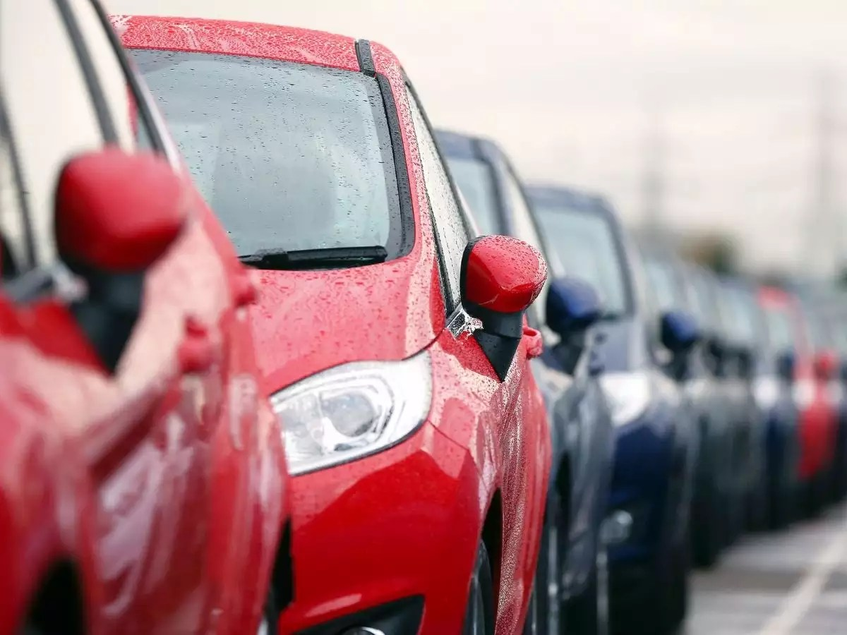 Vehicle Manufacturers In The Uk Uk Car Sales Fall Again But Demand For Electric Vehicles