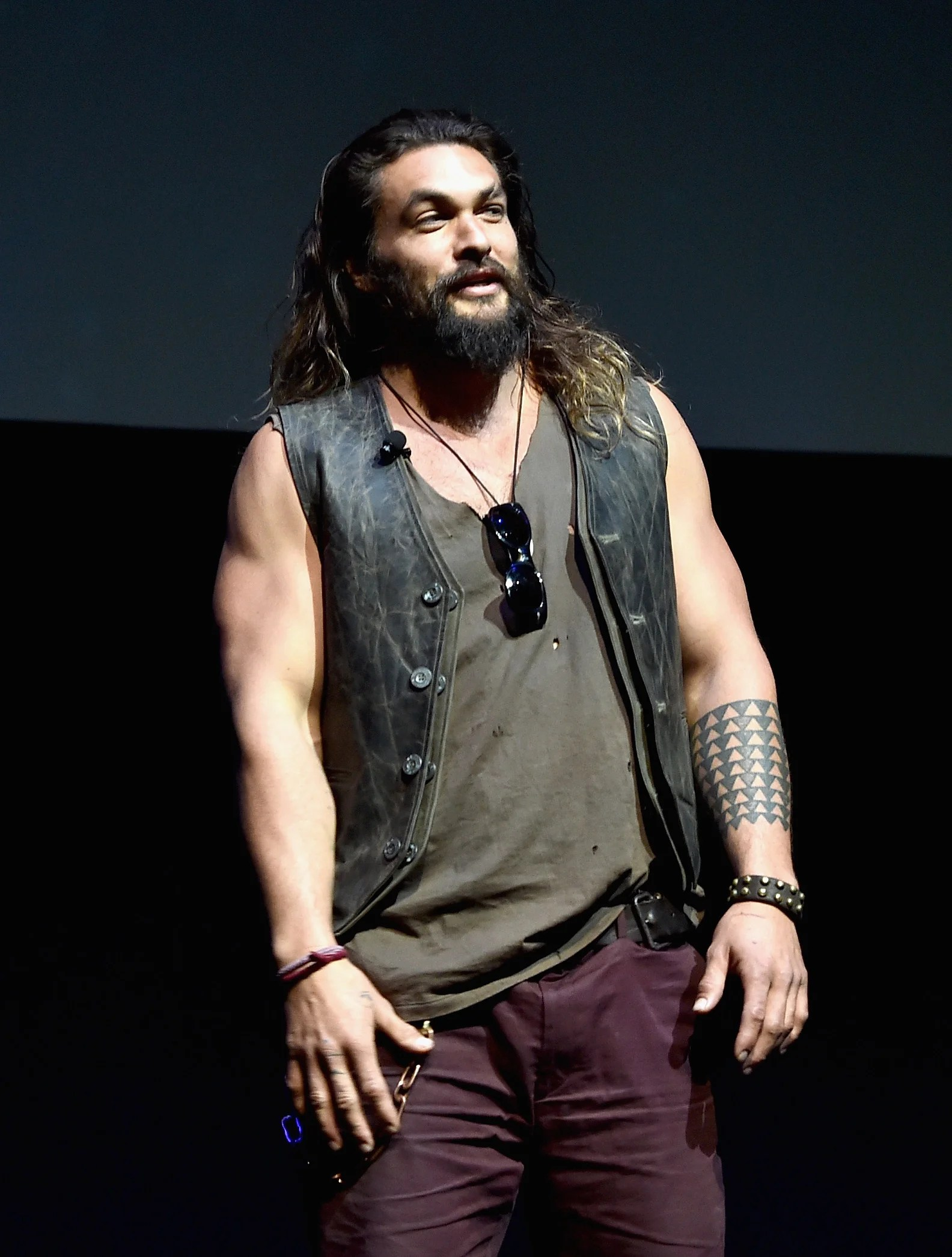 Jason Momoa Jason Momoa Takes His Kids To First All Blacks Game After