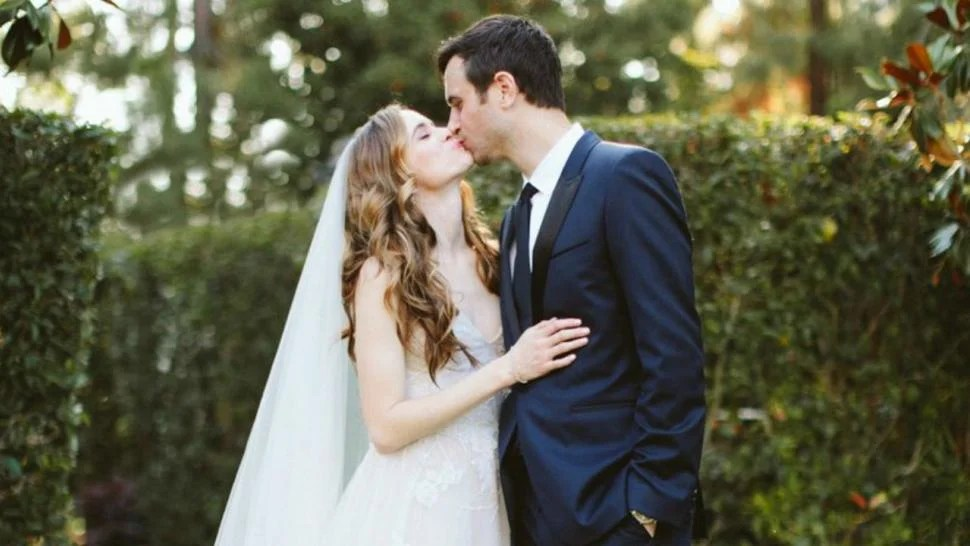 Tom Tailor Bett 'the Flash' Star Danielle Panabaker Marries Hayes Robbins