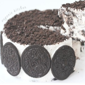 Oreo Ice Cream Cake – Eggless Cookies and Cream
