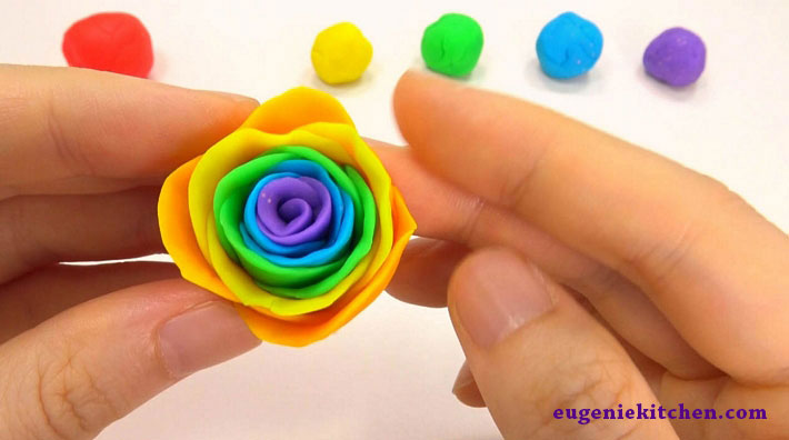 how-to-make-rainbow-rose-eugenie-kitchen11