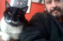 猫と男性のコンビ