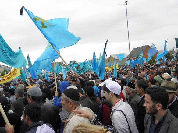 k4 Thousands of Crimean Tatars Mark 70th Anniversary of Deportation