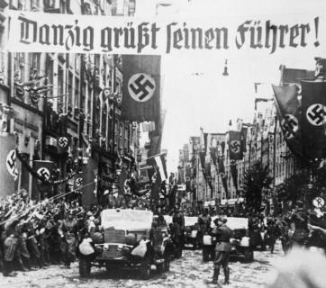 Danzig greets its Führer!