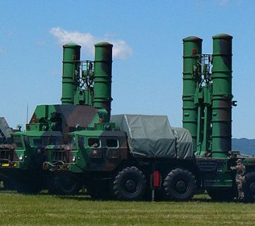 S-300PMU air defense launchers (Image: EllworthSK, wikipedia.org)